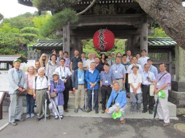 湘南国際村国際会議参加者をバス2台で鎌倉案内