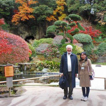 米国人男性、鎌倉を楽しむ