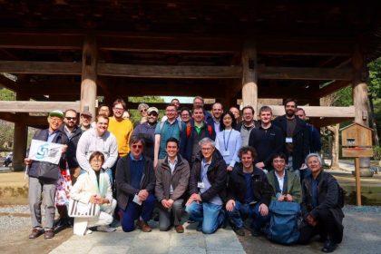 湘南国際村NII国際会議参加者と満開の桜の鎌倉を