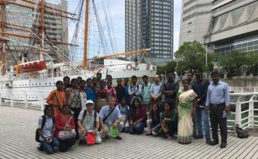 インド人学生 酷暑の中、横浜を楽しむ