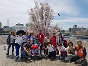 Heartwarmingなメキシコ人家族16人、早春の横浜をエンジョイ