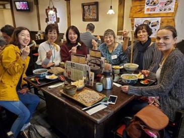 サンモール保護者、天ぷら蕎麦に「ごちそうさまでした」!