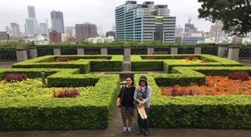 インドネシア人女性、横浜の景色を堪能
