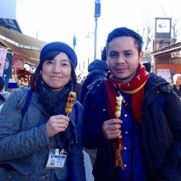 Strolling around a New Year season's Kamakura with a young Guatemalan