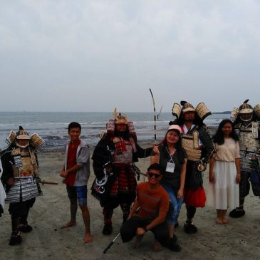 AOTS (TKC) Participants Excited by the Sea and Armored Samurai